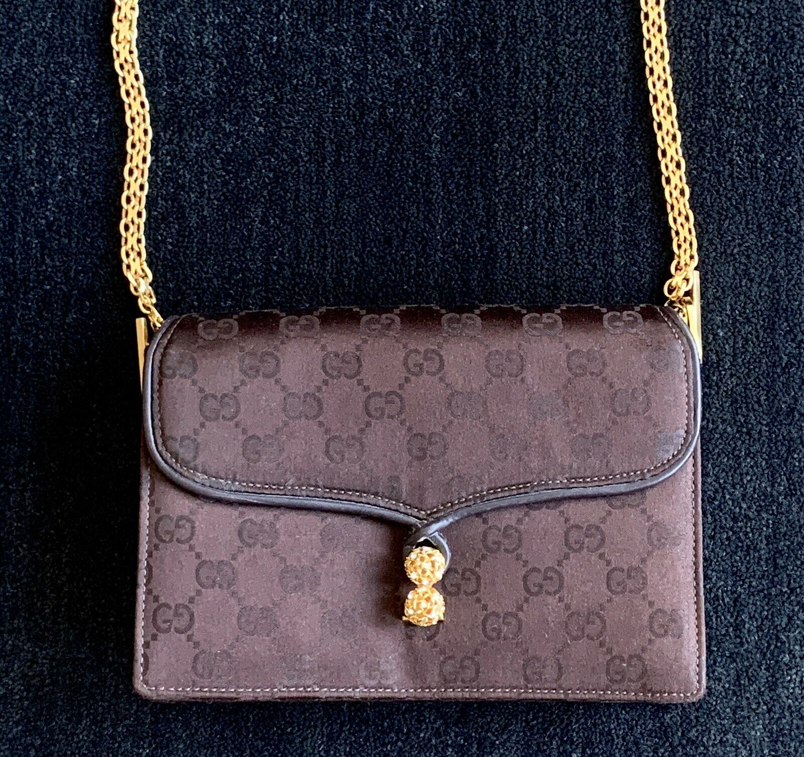 Gucci Vintage Classic Handbag with original box  - image 4