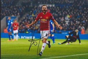 JUAN-MATA-Manchester-Spanien-EM-WM-20x30-orignal-signiert-IN-PERSON-Autogramm