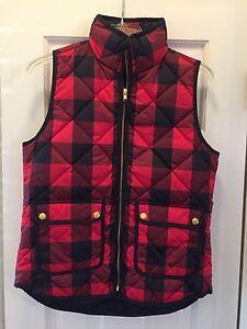 XS NWT Women/'s J Crew Puffer Vest in Black