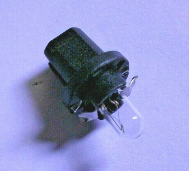 Freelander 1 Dashboard Clock Bulb /& Holder YZQ100110L 1997-2006