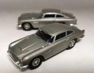 2PCS-usado-1-43-Hotwheels-Goldfinger-007-James-Bond-Aston-Martin-Modelo-De-Coche-De-Plata
