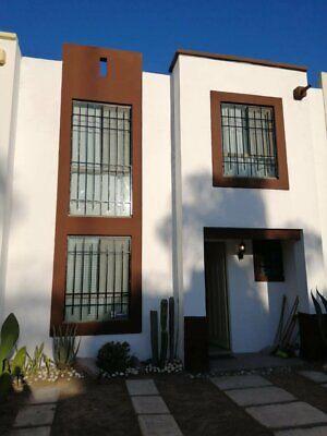 venta casa sur PASEOS DE SANTA MONICA dos plantas 3 recamaras 2 y medio baños alberca aguascalientes