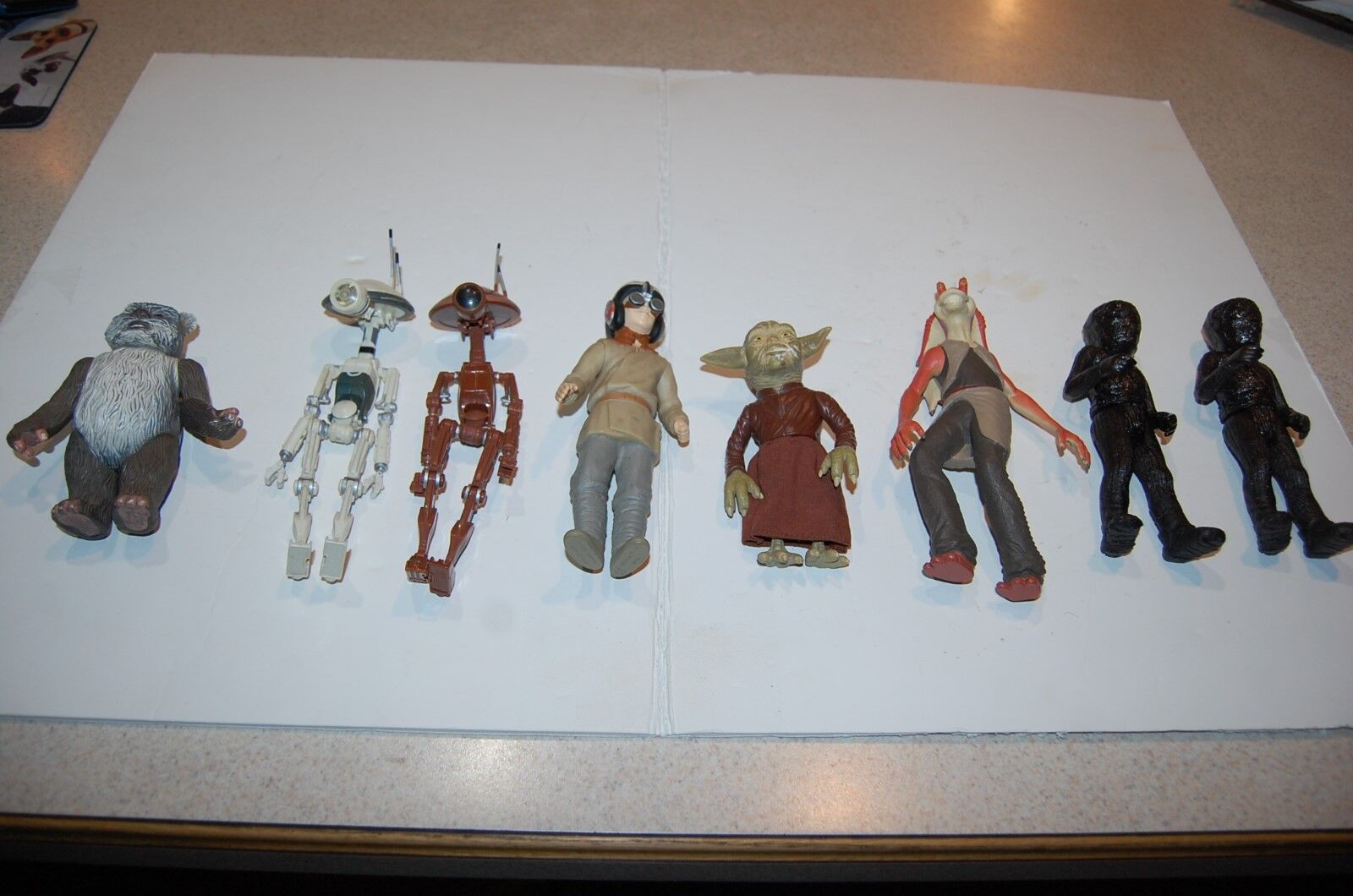 Lot Of 8 Star Wars Hasbro Lucas Films Late 1990's droid toy action Figures