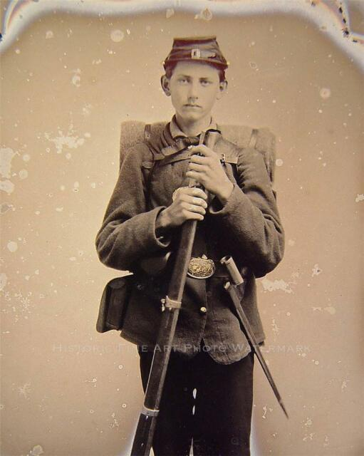 CIVIL WAR YOUNG UNION SOLDIER VINTAGE PHOTO MUSKET BAYONET KNAPSACK #21343