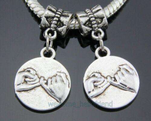 30pcs Tibetan Silver jure meilleurs amis Mains Dangle Charms Fit Bracelet ZY45