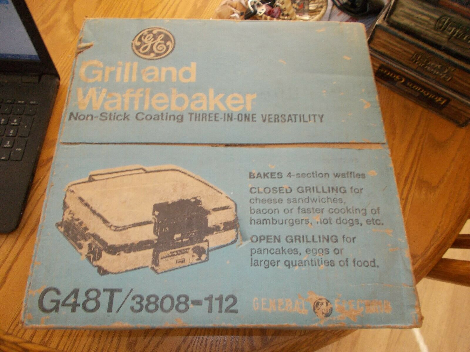 GENERAL ELECTRIC GRILL AND WAFFLEBAKER BRAND nouveau IN BOX
