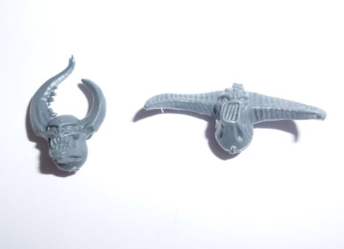 G1303 Chaos Space Marine Possessed Heads x 2 A