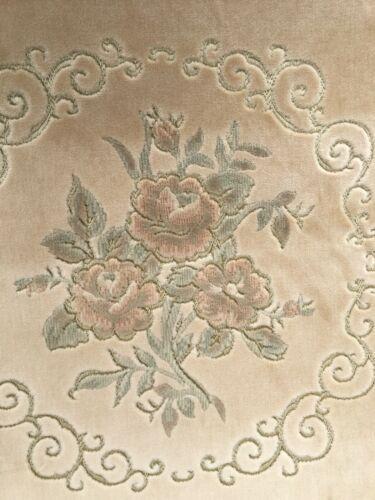 Or Vert pâle draylon recouvert de tissu matériau 140 Cm Large No.104