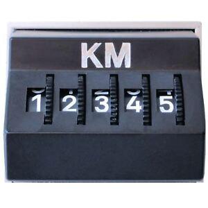 Kilometerzaehler-Kilometermerker-Kilometer-KM-Zaehler-orig-1977-mit-Kratzern