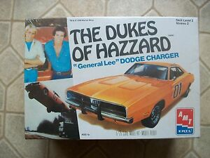1-24-AMT-ERTL-Dukes-of-Hazzard-General-Lee-Dodge-Charger-Model-Kit