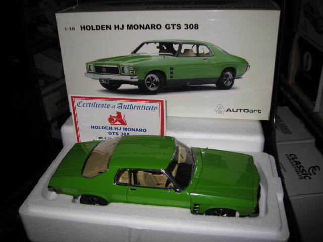 BIANTE AUTOart  1974 HOLDEN HJ MONARO GTS 2 dr COUPE JAMAICA LIME  73371