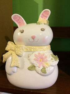 Grasslands-Road-Rabbit-Cookie-Jar-NEW