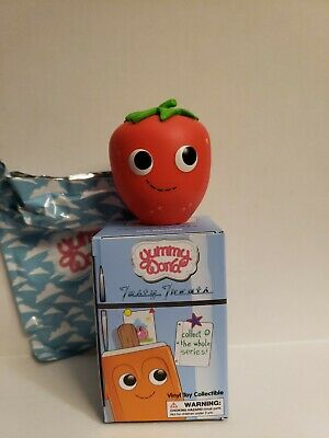 Yummy World Tasty Treats Vinyl Mini Series Kidrobot Pink Cupcake 3//24