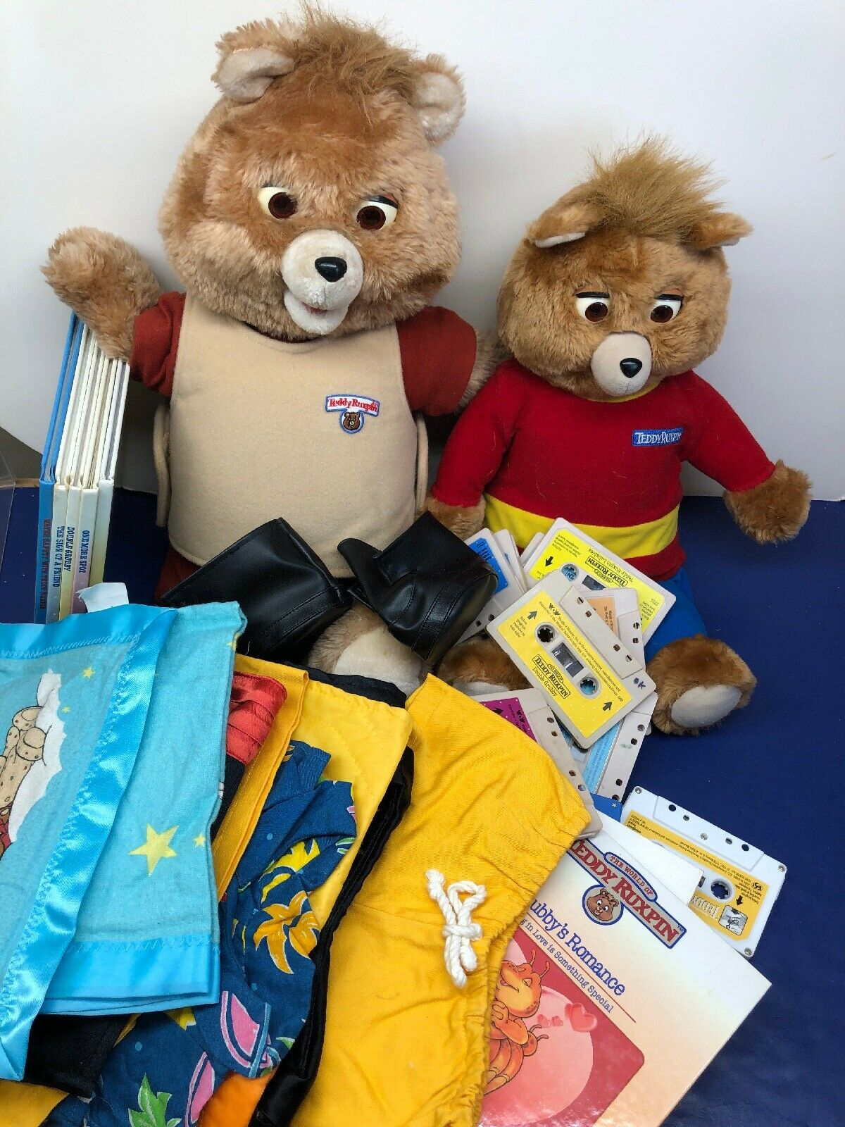 2 Teddy Ruxpin Bears Vintage 1985 Both Do Not Work Has Books, Outfits, Cassettes