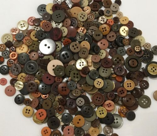 Brown Buttons 100pcs Assorted Shades /& Sizes Bulk Lot Aussie Seller