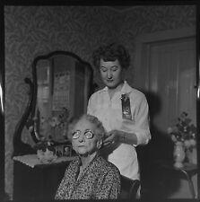 DL885A Press Photo 2x2 Negative Kansas 1958 Old Woman Beauty Salon Worker