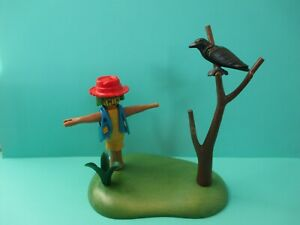 Playmobil landscape SCARECROW W// BROOM ON GREEN BASE W// TWO DIFFERENT PLANTS