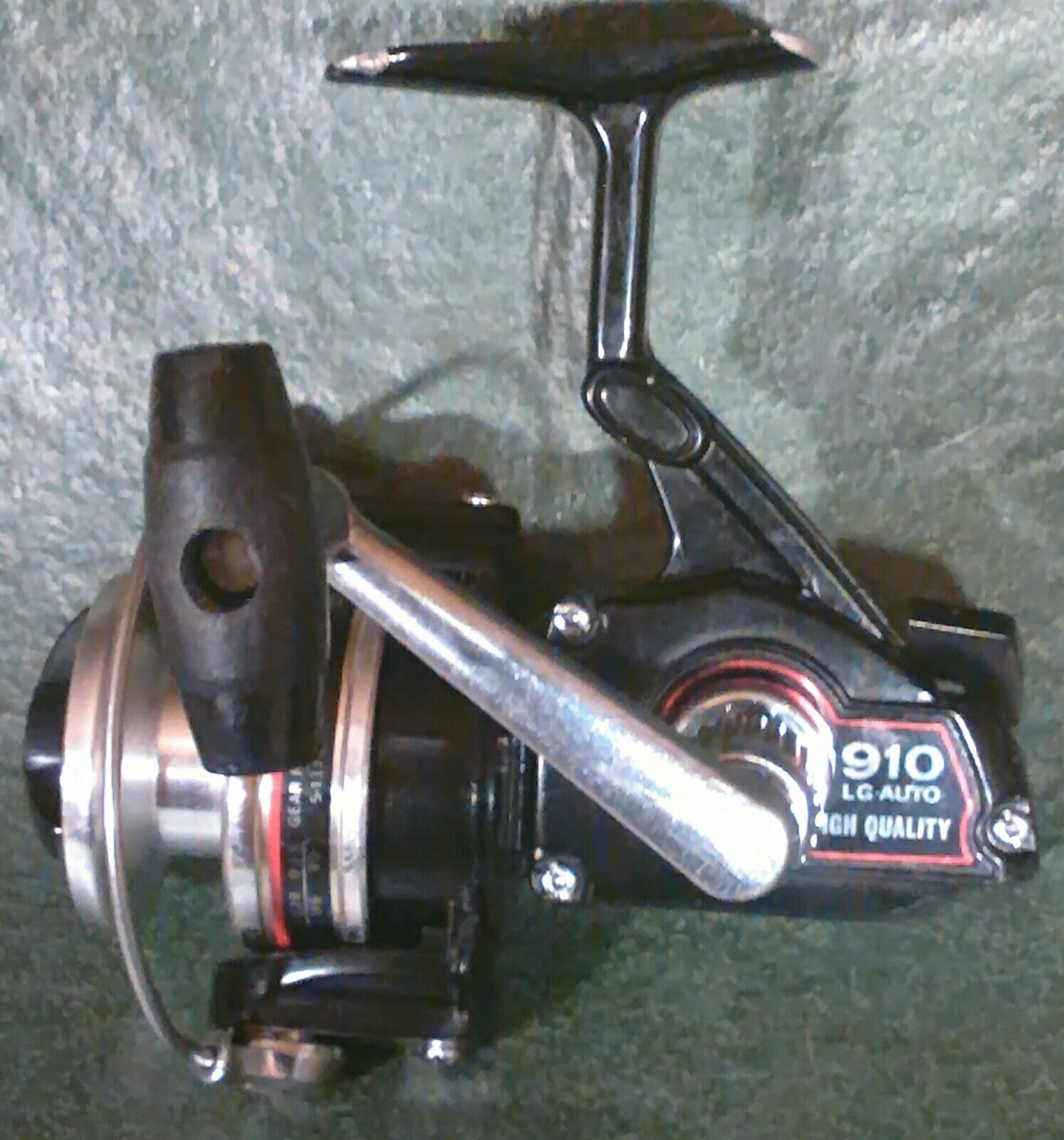 Olympic 910 LG Auto ultralight-light (6-10 ) spinning reel. Made in Japan.
