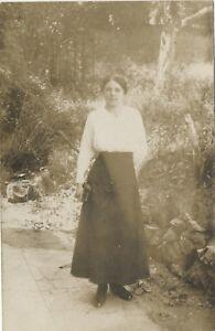 Donna Modalità Francia snapshot Foto Vintage Analogica Su di Carta Cartolina