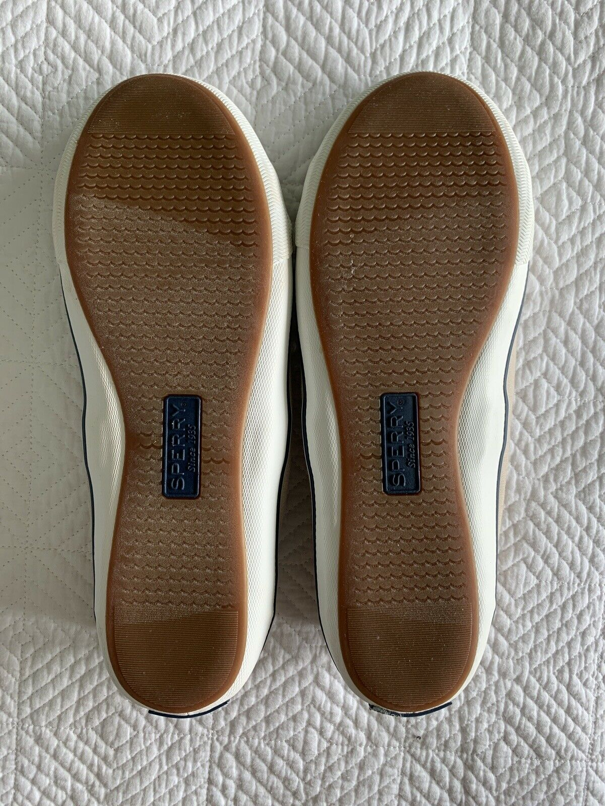 Sperry Top Sider Women's Size 10 Lounge LTT Sand Shoes - Missing One Sole