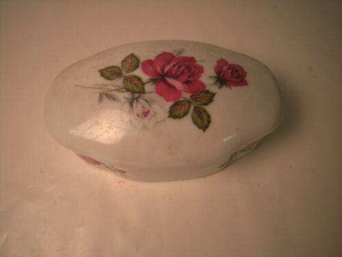 Antique KPM porcelain box marked KPM oval shape with hand painted9x3.8 cm