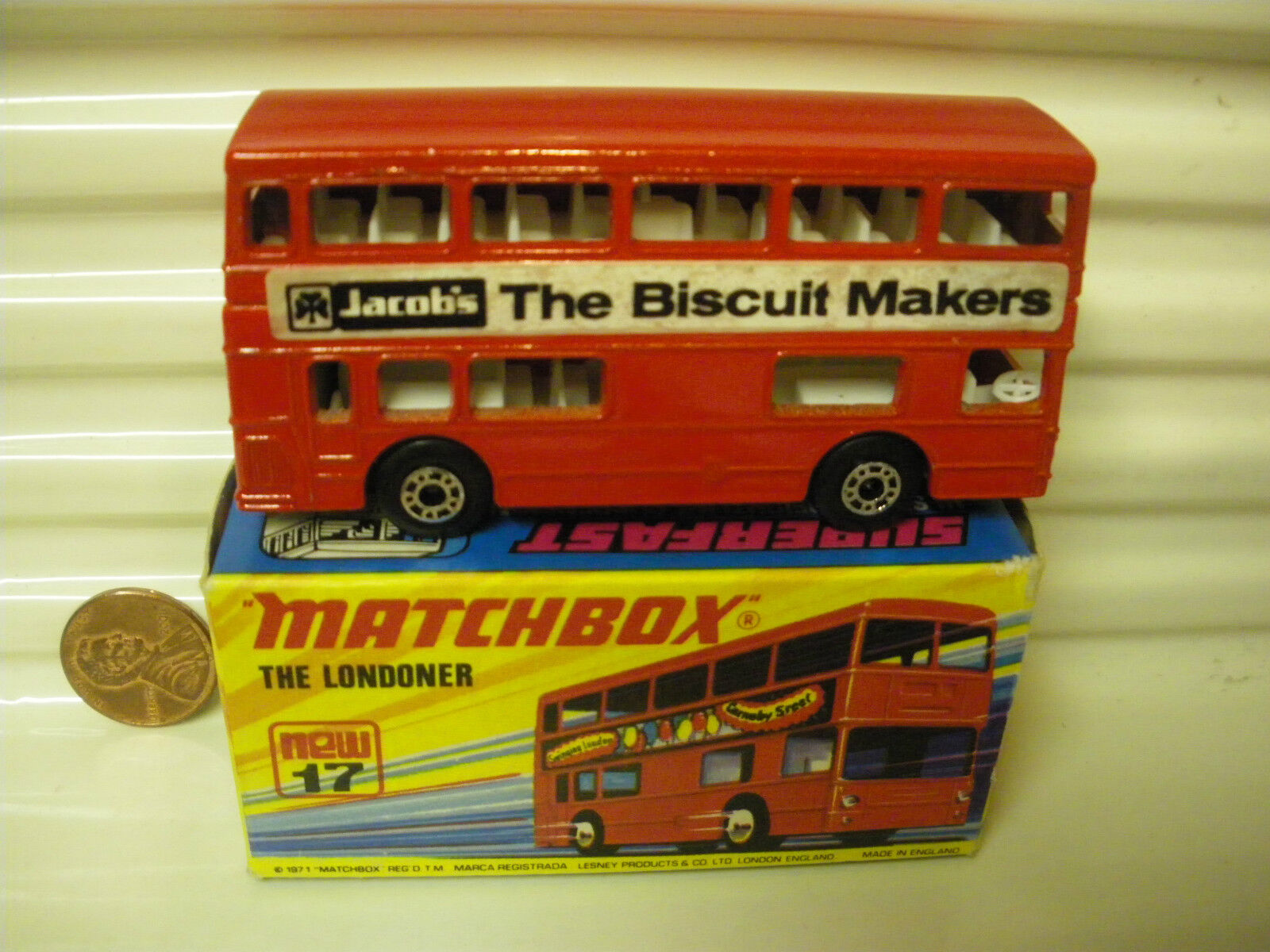 MATCHBOX MB17B 1972  THE LONDONER  RED JACOB'S BISCUIT MAKERS BUS MINT BOXED