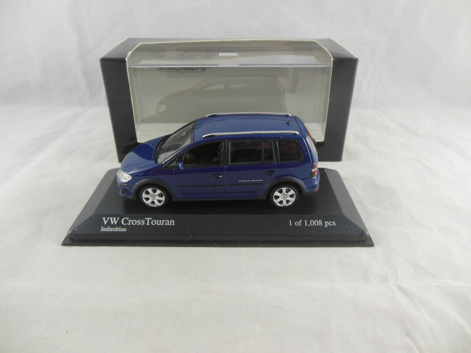 Minichamps 400 056170 2006 VW Cross Touran in bluee Ltd Ed. 1 of 1008
