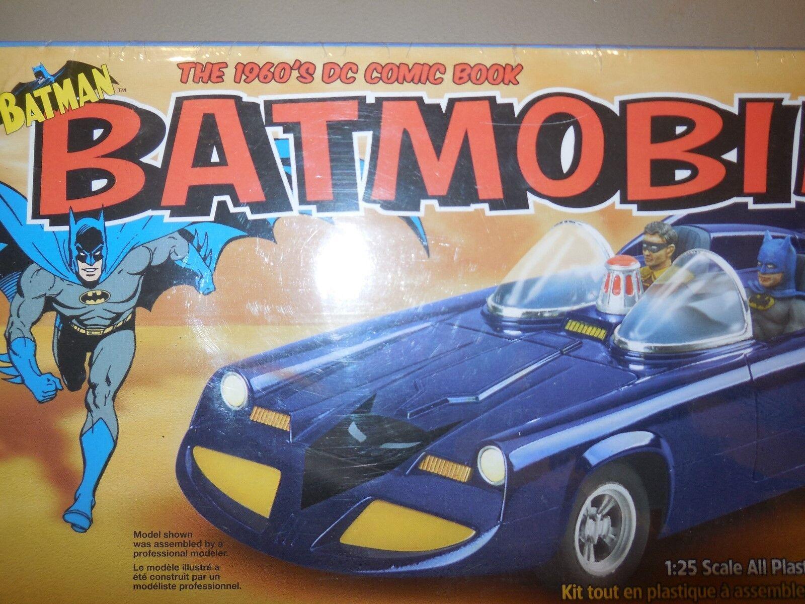 2002 batmobile 110 precision pieces model kit by polar lights