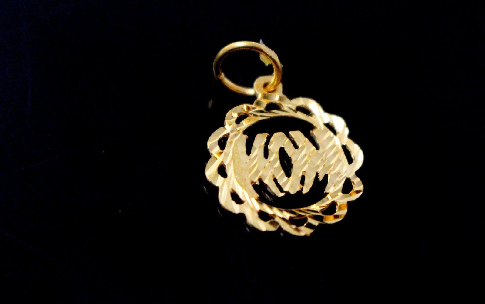 22k 22ct Solid gold Charm Mom Pendant Round Design p1227 ns