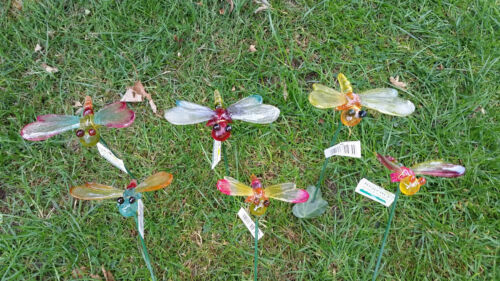 SET OF 6 GARDEN ORNAMENT DRAGONFLYS ON A STICK NOVELTY COLOURFUL