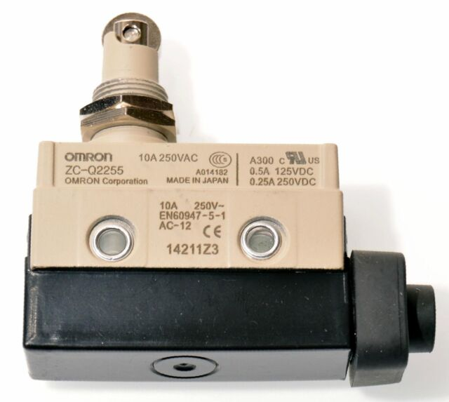 NEW Omron ZC-N2255 Enclosed Limit Switch Sealed Roller Plunger