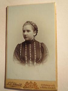 Wien-1903-schoenes-Maedchen-mit-Zopf-Portrait-CDV