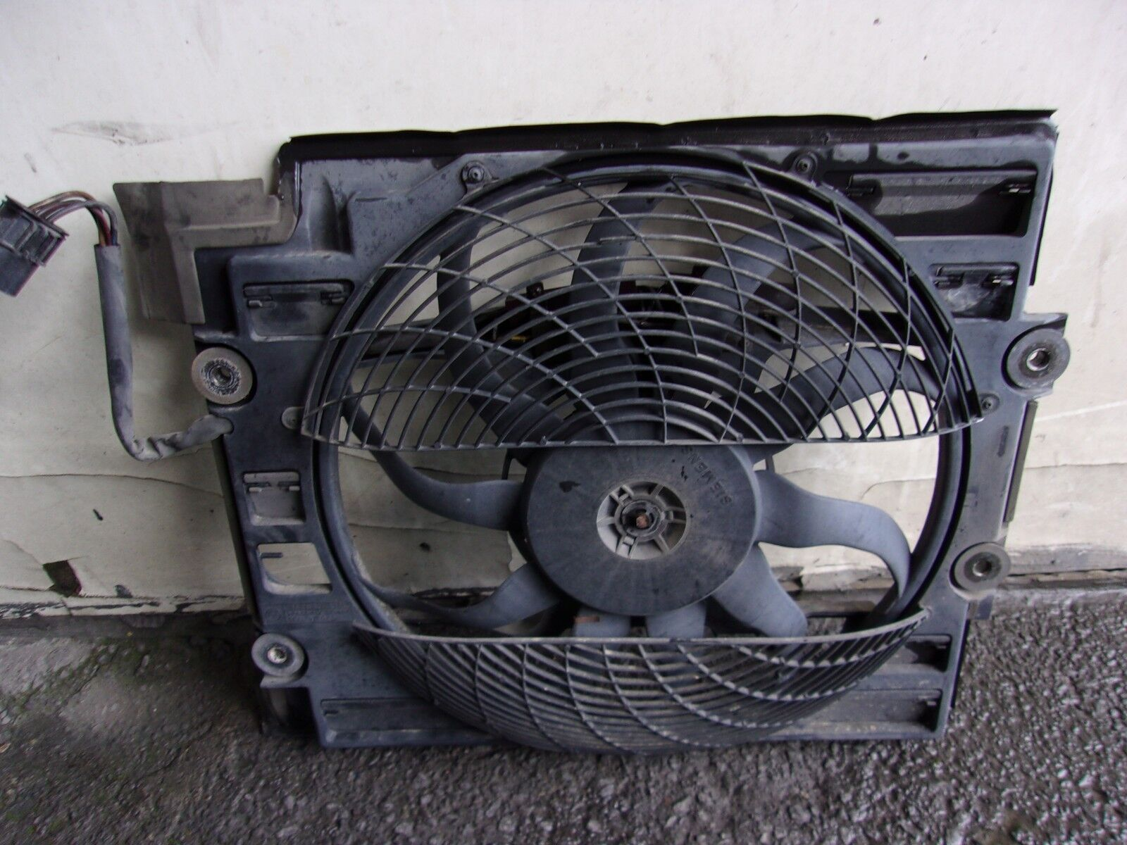 Cooling Fan Fits Bmw 528 I 540 E 39 Oe 64548380780 Ebay Pusher Ac Wiring Norton Secured Powered By Verisign