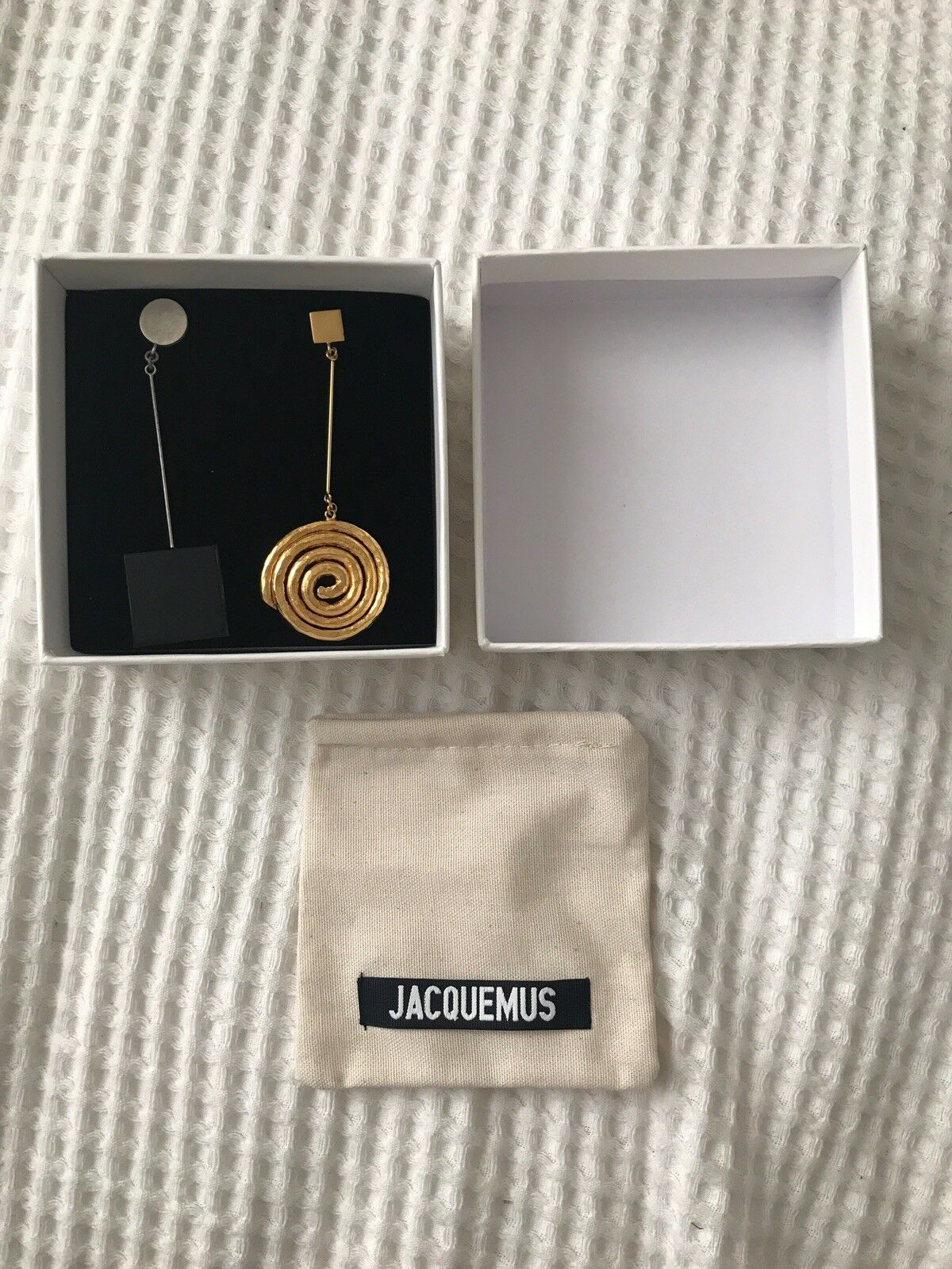 Jacquemus Le Carre Spiral Square Earrings