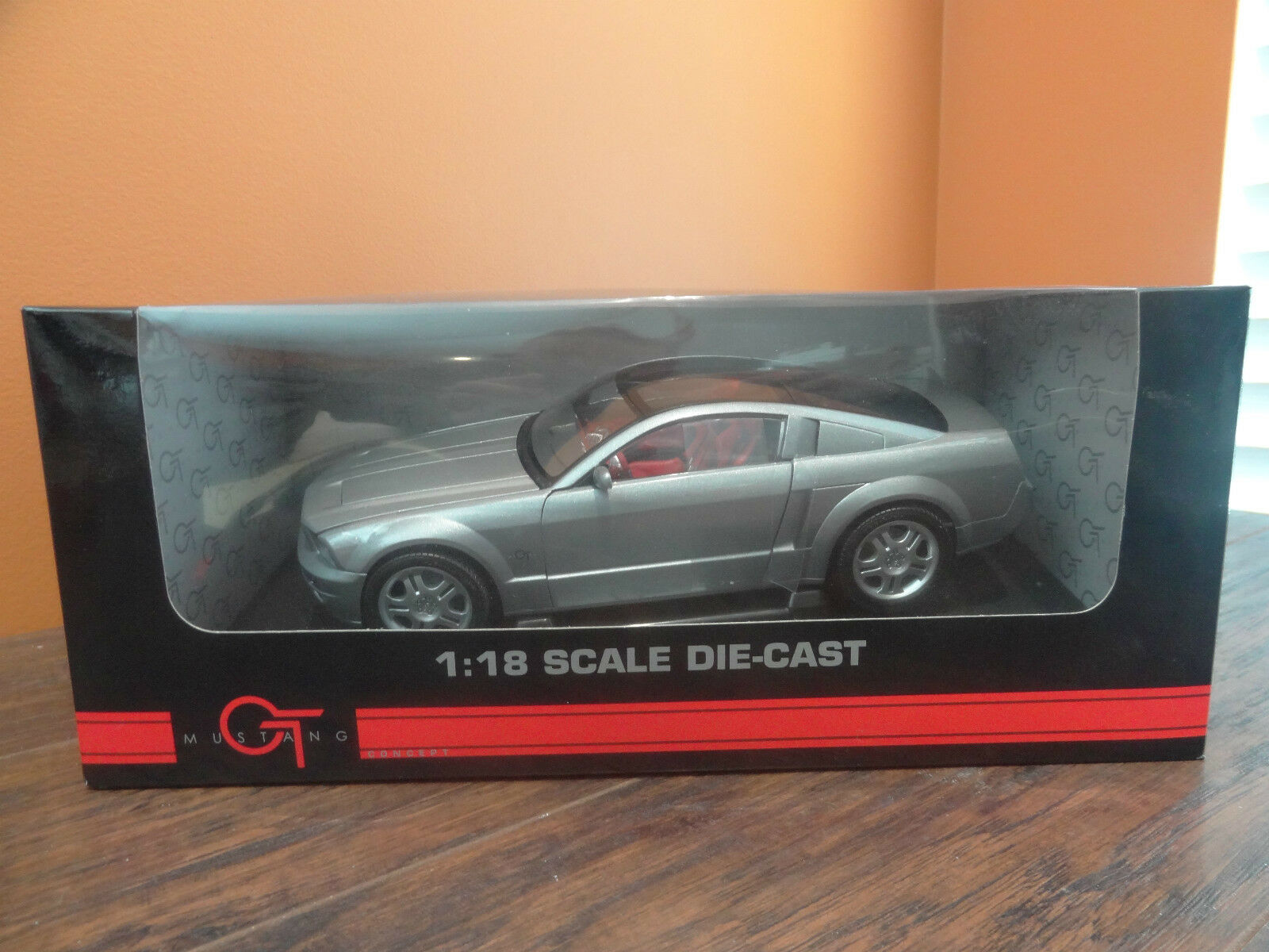 nuovo Beanship Ford Mustang GT Concept Sport auto argento 1 18 Scale Die Cast