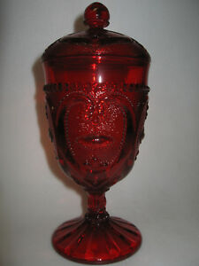 ruby-red-glass-sweetheart-pattern-Covered-Candy-dish-serving-heart-royal-compote