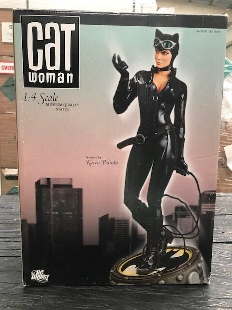 DC DIRECT CATWOMAN 14 MUSEUM QUALITY STATUE