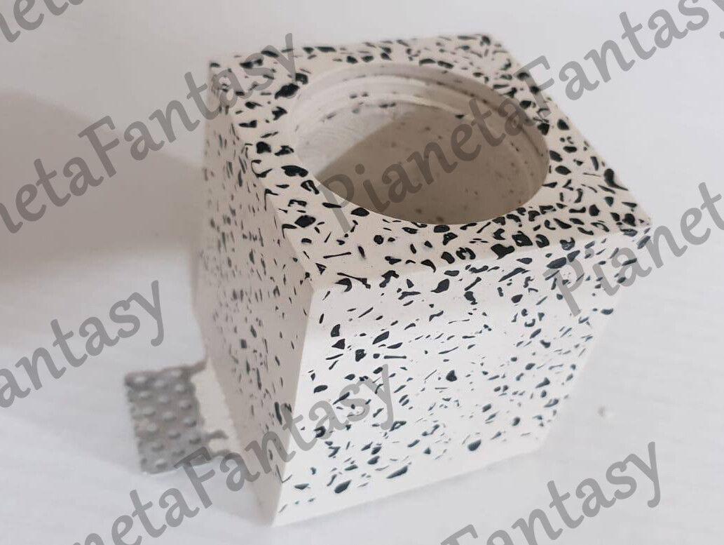 Porta Faretto Cubo in resina di gesso x lampade led GU10 Graniglia di Marmo