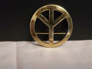 VINTAGE-1960s-Make-Peace-Not-War-Gold-Plated-Pin