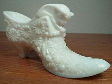 Fenton Milk Glass Daisy And Button Cat Head Shoe