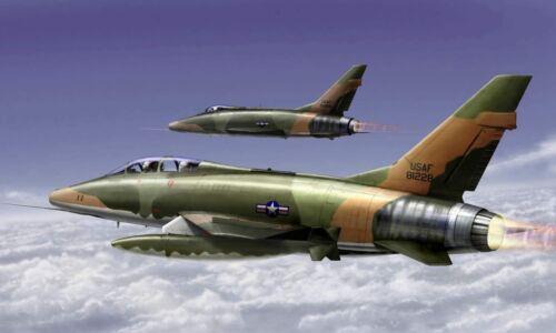 Trumpeter 01650-1:72 F-100F Super Sabre Neu