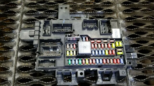 10 11 12 Lincoln Mkt 3 5l Multifunction Control Module Fuse Box Oem