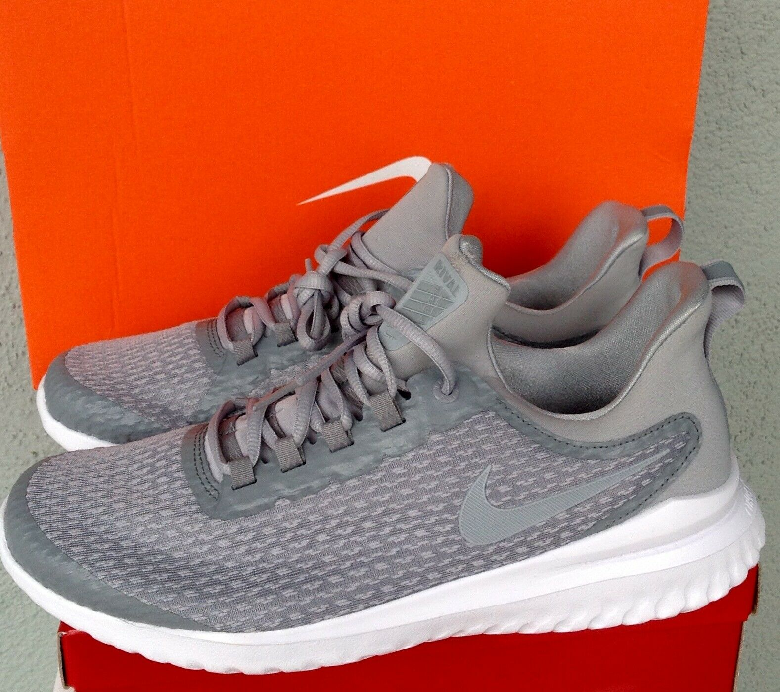 Nike Renew Rival AA7400-006 Stealth Wolf Grey White Men's Running shoes NEW