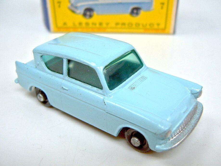 MATCHBOX rw 07b 07b 07b Ford Anglia bleu clair noire roues fin profil