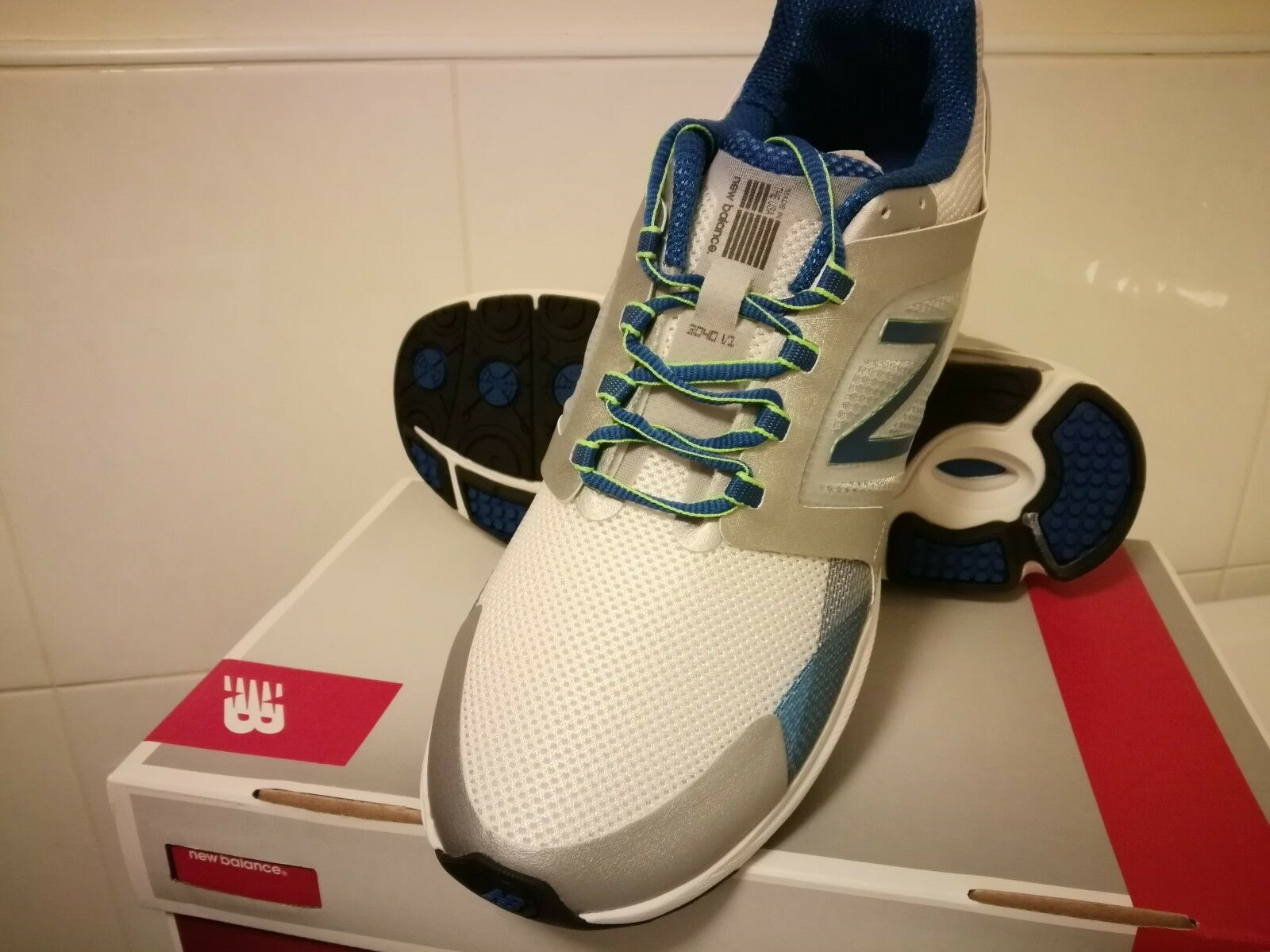 New! Mens New Balance 3040 Running Sneakers Shoes D Width - limited sizes SB