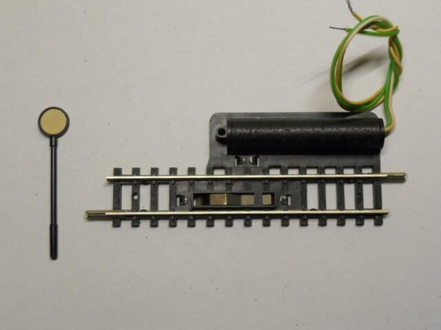 MINITRIX 14969 / 4969 elektr. Entkupplungsgleis (30512)
