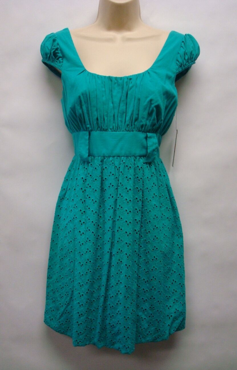 NWT Laundry by Design Green Eyelet Dress Size 2 Retails 148  Very Cute