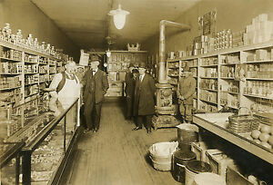 ANTIQUE-OLD-INDIANAPOLIS-STAR-NEWSPAPER-GENERAL-STORE-ADVERTISING-DISPLAY-PHOTO