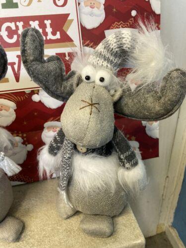 Saving £2.00 On Individual Price Christmas quality Shelf Sitting Moose Pair