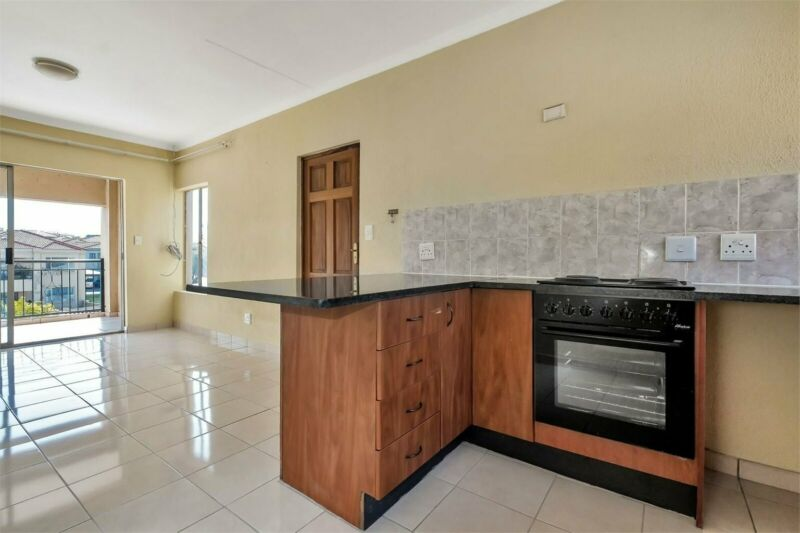 Newly Renovated 2 Bedroom Apartment for Sale in Willowbrook